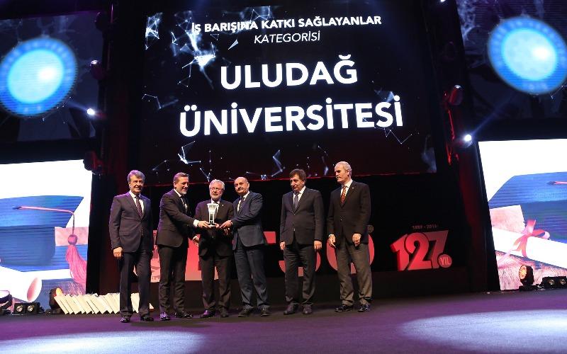 Ekonominin zirvesinden Uludağ Üniversitesi'ne ödül