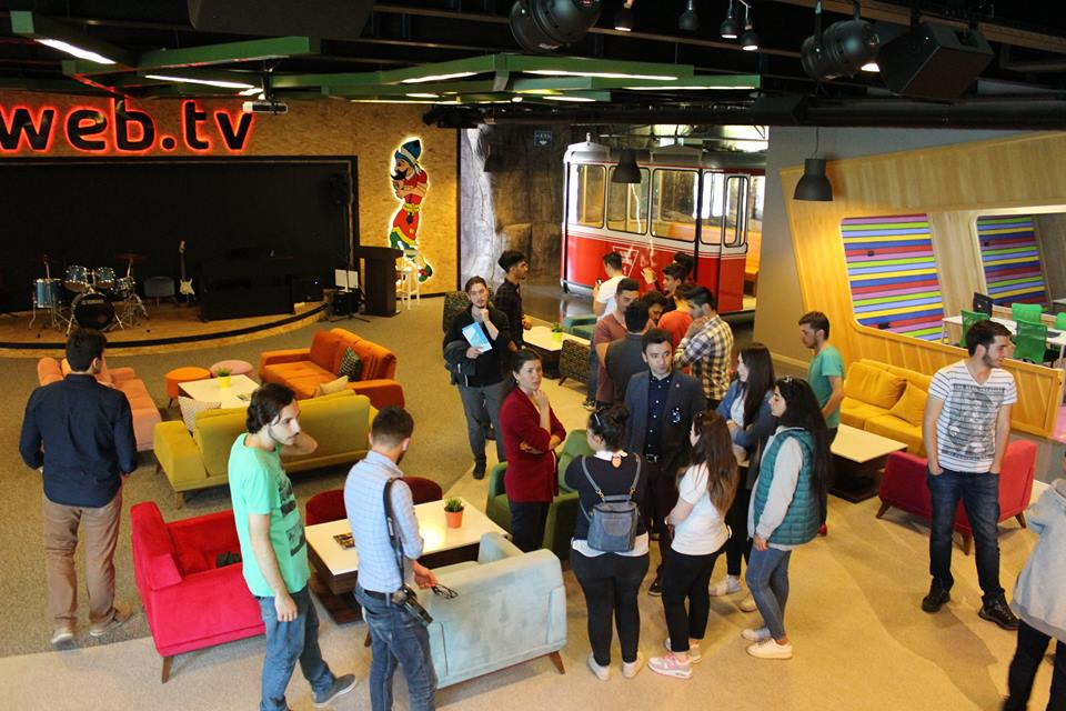 Kastamonu Üniversitesi Bilgisayar Programcılığı öğrencileri Ulutek Teknoparkı tanımak amacıyla bölgemizi ziyaret ettiler